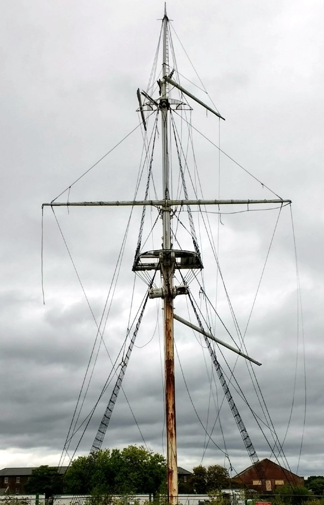 HMS Ganges Mast September 2017.jpg